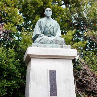 山本右太郎像